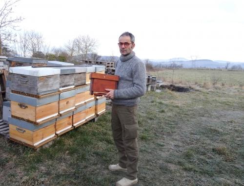 Alain Condon produit du miel en Velay